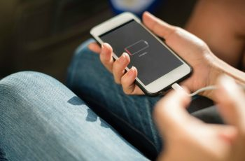 Descubra-como-identificar-os-carregadores-falsos-de-smartphone-1